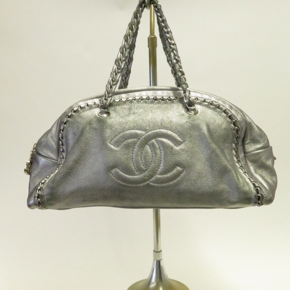 db2e31cd2b91 Chanel Handbags - Chanel Luxe Ligne Large Bowler Bag Silver Leather